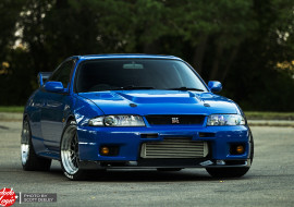 From Japan with love: a R33 GTR